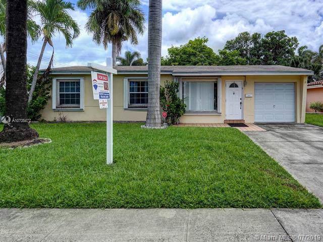 918 NE 7th St, Hallandale, FL 33009 (MLS #A10705477) :: Berkshire Hathaway HomeServices EWM Realty
