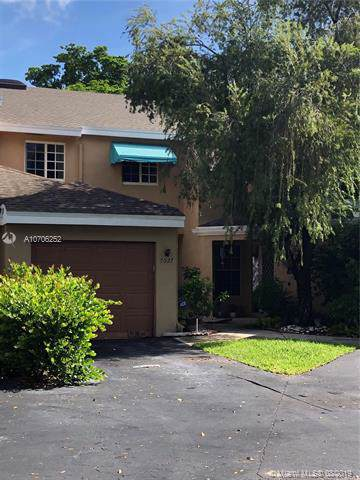 7027 Woodmont Way, Tamarac, FL 33321 (MLS #A10706252) :: Ray De Leon with One Sotheby's International Realty