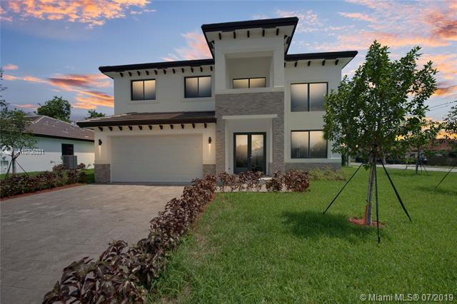 9220 SW 170th St, Palmetto Bay, FL 33157 (MLS #A10706331) :: Berkshire Hathaway HomeServices EWM Realty