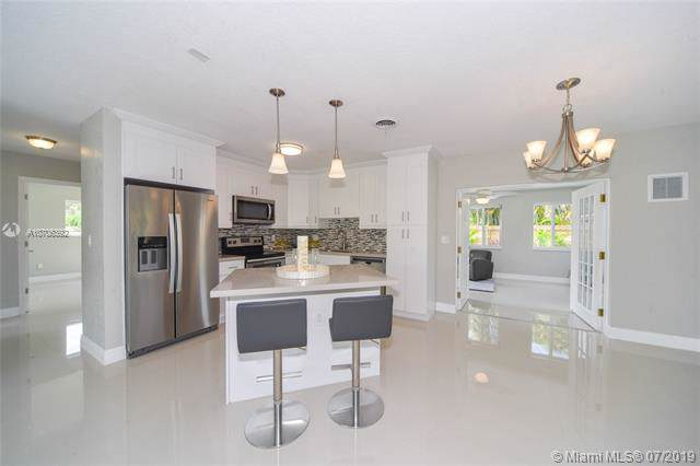 5031 NE 23rd Ter, Lighthouse Point, FL 33064 (MLS #A10706392) :: Ray De Leon with One Sotheby's International Realty