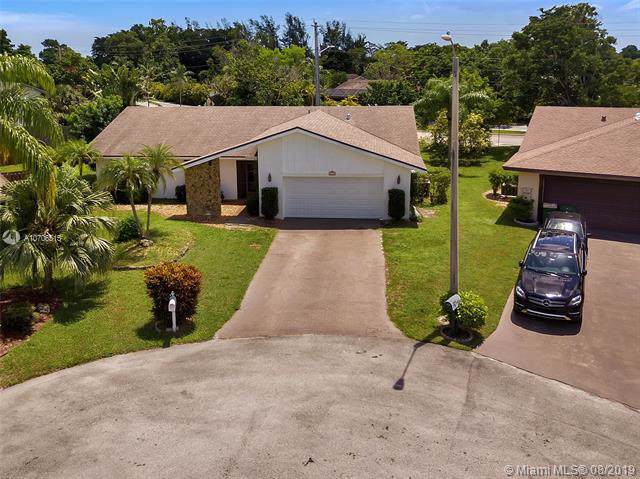 8206 Cassia Ct, Tamarac, FL 33321 (MLS #A10706515) :: The Paiz Group
