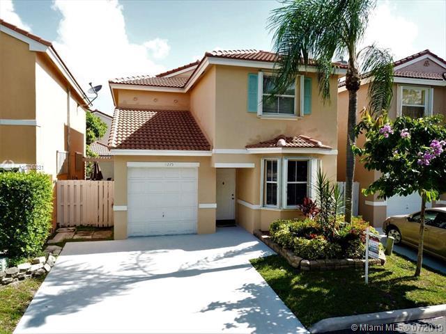 11225 Secret Woods Dr, Cooper City, FL 33026 (MLS #A10706831) :: Green Realty Properties