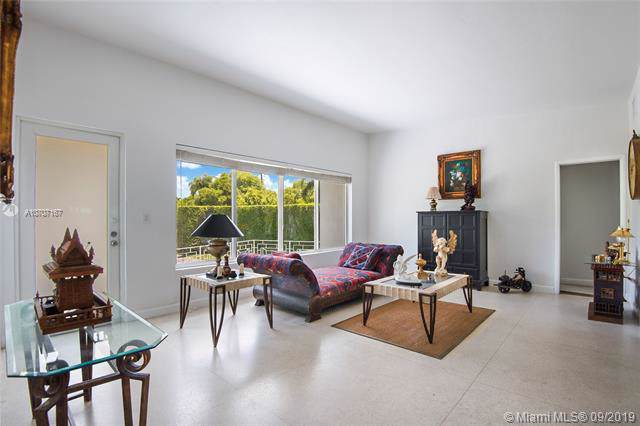 4484 Adams Ave, Miami Beach, FL 33140 (MLS #A10707167) :: Ray De Leon with One Sotheby's International Realty