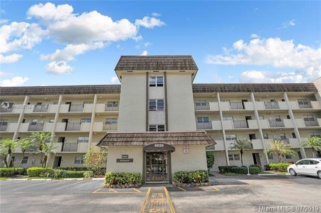 6020 NW 44th St #102, Lauderhill, FL 33319 (MLS #A10707732) :: The Teri Arbogast Team at Keller Williams Partners SW