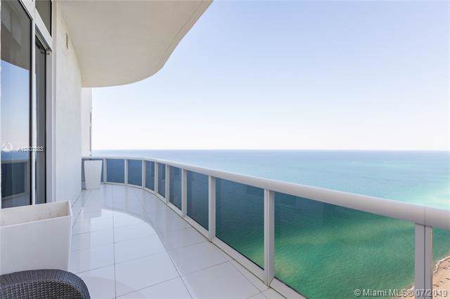 15811 Collins Ave #4302, Sunny Isles Beach, FL 33160 (MLS #A10707883) :: The Riley Smith Group