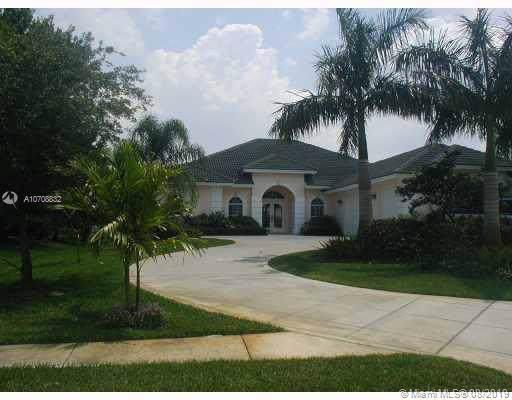 1586 SW Jasmine Trce, Palm City, FL 34990 (MLS #A10708832) :: The Kurz Team