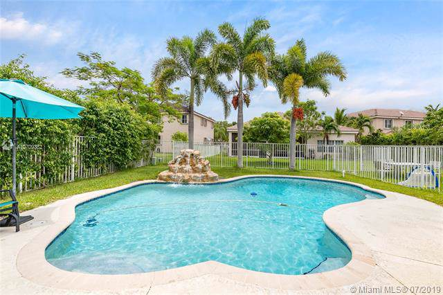 1348 Sabal Trl, Weston, FL 33327 (MLS #A10709382) :: Castelli Real Estate Services