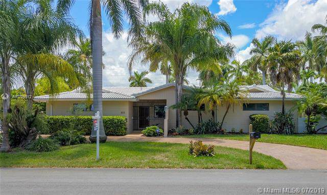 13340 SW 96th Ave, Miami, FL 33176 (MLS #A10709912) :: Laurie Finkelstein Reader Team
