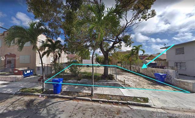 427 SW 13th Ave, Miami, FL 33135 (MLS #A10711137) :: Grove Properties