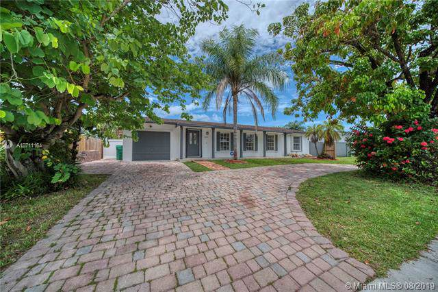 11931 SW 122nd Ave, Miami, FL 33186 (MLS #A10711164) :: Castelli Real Estate Services