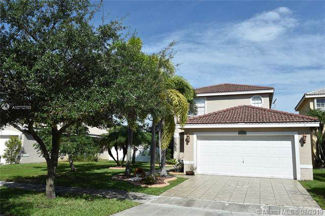 18052 SW 29th Ln, Miramar, FL 33029 (MLS #A10712153) :: Ray De Leon with One Sotheby's International Realty