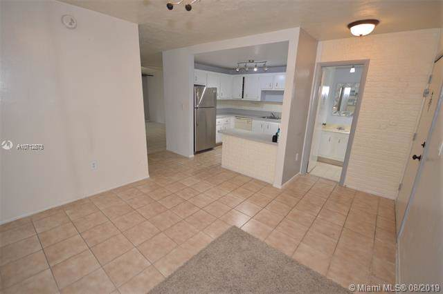1681 NW 70th Ave #105, Plantation, FL 33313 (MLS #A10712873) :: The Paiz Group