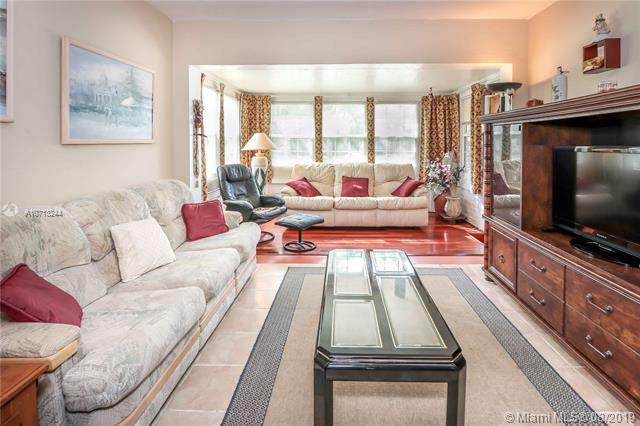 1413 Dewey St, Hollywood, FL 33020 (MLS #A10713244) :: Castelli Real Estate Services