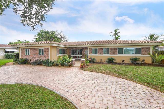 2071 NE 27 Street, Lighthouse Point, FL 33064 (MLS #A10713263) :: Ray De Leon with One Sotheby's International Realty
