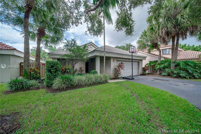 1871 NW 99th Ave, Plantation, FL 33322 (MLS #A10713823) :: The Jack Coden Group