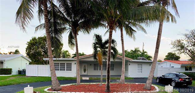 2720 NE 26th St., Lighthouse Point, FL 33064 (MLS #A10714463) :: Ray De Leon with One Sotheby's International Realty