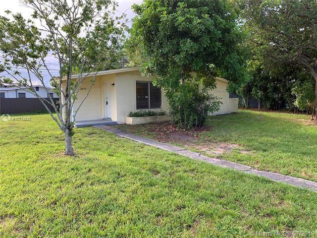 3850 SW 60 Ave, Davie, FL 33314 (MLS #A10714543) :: Grove Properties