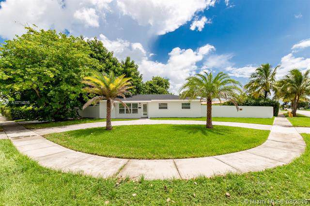 1131 SW 93 PL, Miami, FL 33174 (MLS #A10714816) :: Ray De Leon with One Sotheby's International Realty
