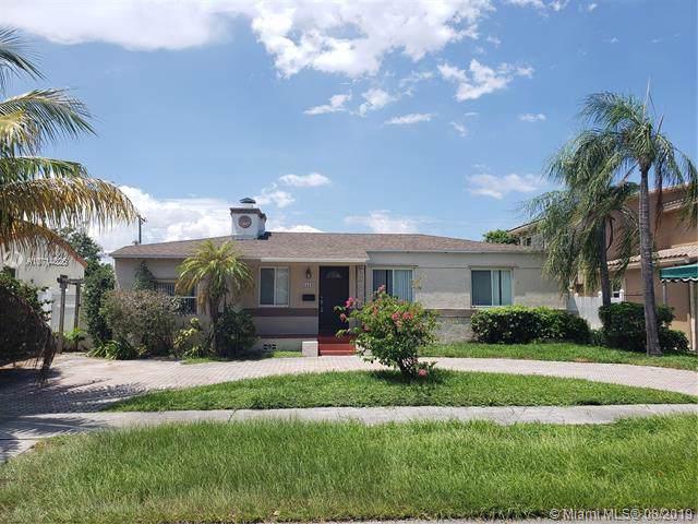 1415 Adams St, Hollywood, FL 33020 (MLS #A10714826) :: Castelli Real Estate Services