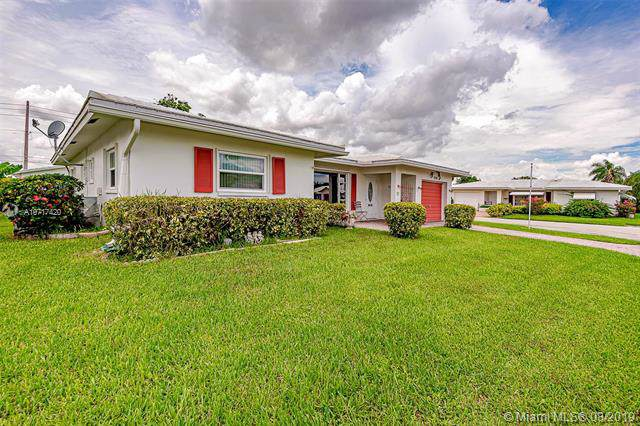 7203 NW 69th Ave, Tamarac, FL 33321 (MLS #A10717420) :: Ray De Leon with One Sotheby's International Realty