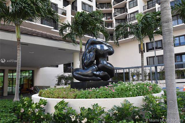 540 Brickell Key Dr #405, Miami, FL 33131 (MLS #A10721090) :: Ray De Leon with One Sotheby's International Realty