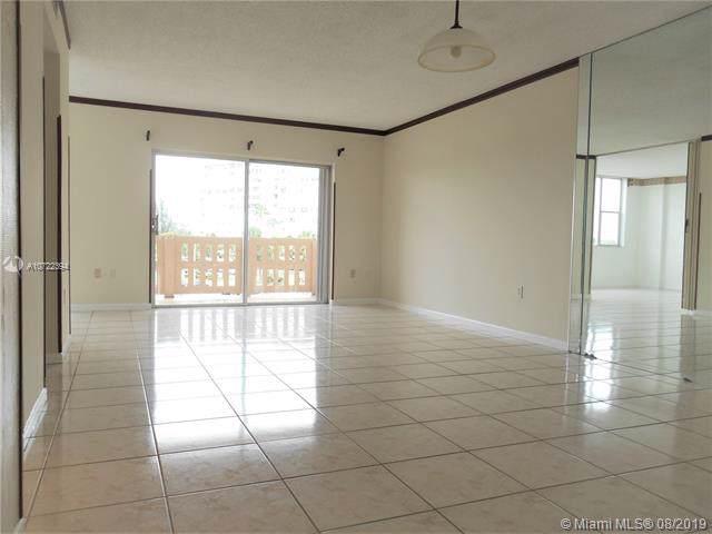 4001 Hillcrest Dr. #305, Hollywood, FL 33021 (MLS #A10722394) :: Castelli Real Estate Services