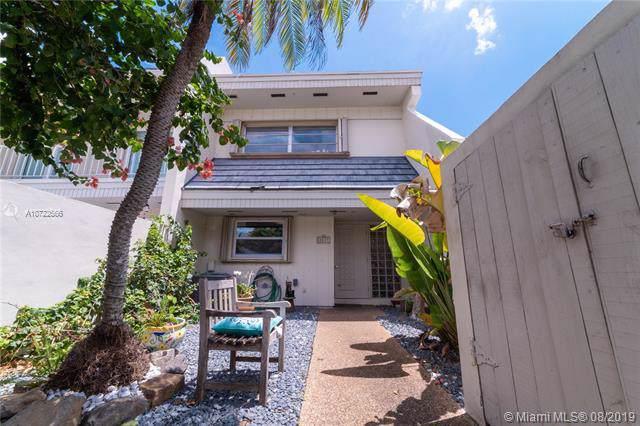 8227 SW 81st Pl, Miami, FL 33143 (MLS #A10722566) :: Berkshire Hathaway HomeServices EWM Realty