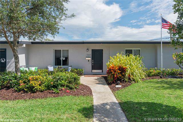 9305 SW 179th Ter, Palmetto Bay, FL 33157 (MLS #A10723554) :: The Riley Smith Group