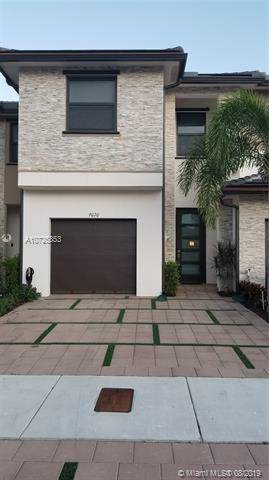 9070 NW 158th St #9070, Miami Lakes, FL 33018 (MLS #A10725853) :: Albert Garcia Team