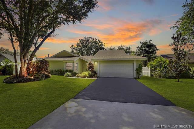 12104 Landing Way, Cooper City, FL 33026 (MLS #A10727171) :: Castelli Real Estate Services
