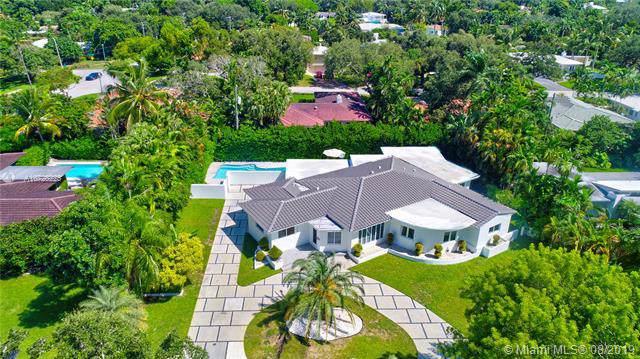 1209 NE 98th St, Miami Shores, FL 33138 (MLS #A10728225) :: Laurie Finkelstein Reader Team