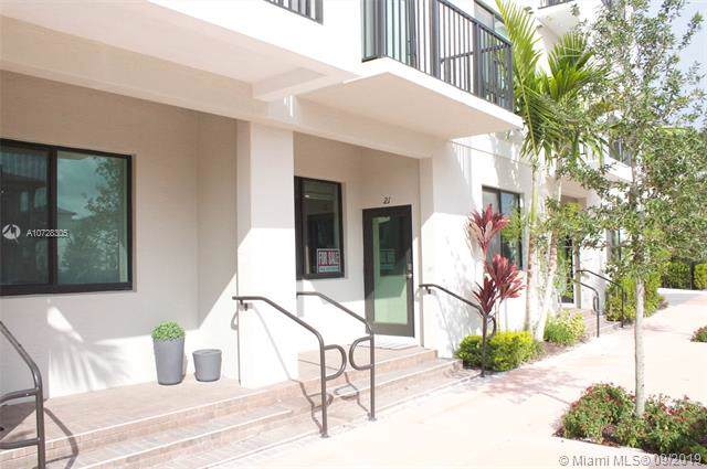 4700 NW 84th Ave #21, Doral, FL 33166 (MLS #A10728305) :: Ray De Leon with One Sotheby's International Realty
