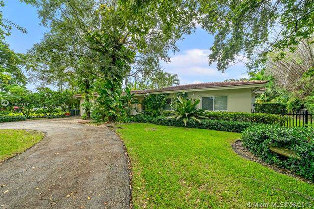 601 Alminar Ave, Coral Gables, FL 33146 (MLS #A10728381) :: The Paiz Group