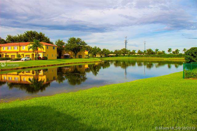 10251 SW 23rd Ct, Miramar, FL 33025 (MLS #A10728702) :: Ray De Leon with One Sotheby's International Realty