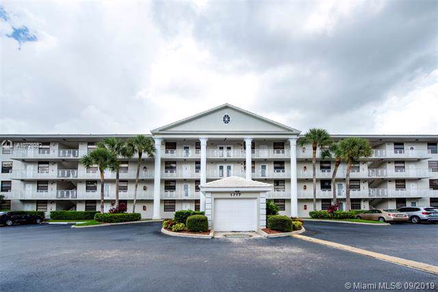1717 Whitehall Dr #403, Davie, FL 33324 (MLS #A10729252) :: Green Realty Properties