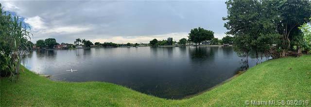 3981 NW 47th Ter, Lauderdale Lakes, FL 33319 (MLS #A10729824) :: The Kurz Team