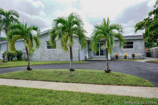 2511 NW 87th Ave, Sunrise, FL 33322 (MLS #A10730819) :: The Jack Coden Group