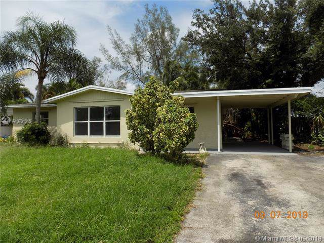 5321 SW 57th St, Davie, FL 33314 (MLS #A10731316) :: Ray De Leon with One Sotheby's International Realty