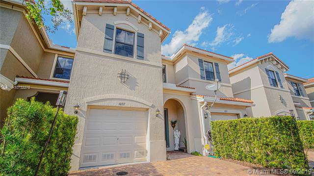 1037 NW 33rd Ct, Pompano Beach, FL 33064 (MLS #A10732278) :: Ray De Leon with One Sotheby's International Realty