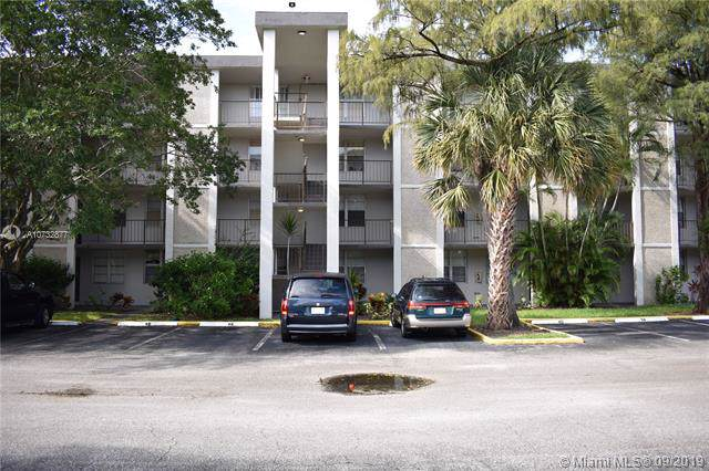 4899 NW 26th Ct #145, Lauderdale Lakes, FL 33313 (MLS #A10732877) :: The Kurz Team