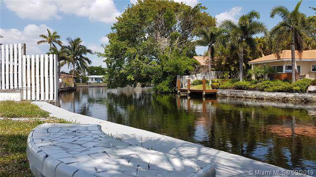3340 NE 17th Way, Oakland Park, FL 33334 (MLS #A10733898) :: Ray De Leon with One Sotheby's International Realty