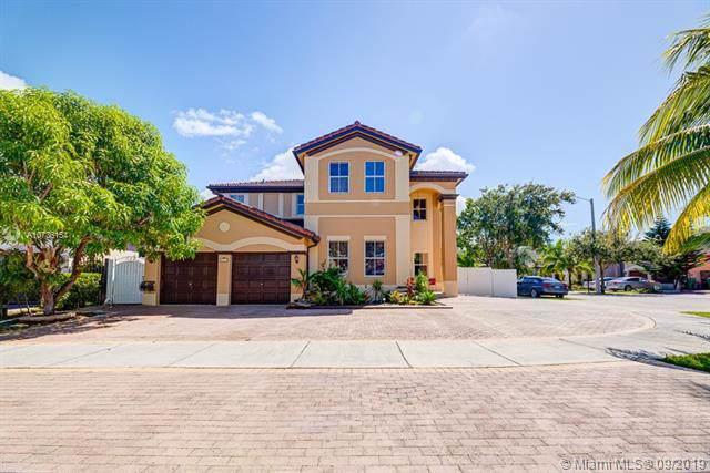 18117 NW 89th Pl, Hialeah, FL 33018 (MLS #A10736154) :: Grove Properties