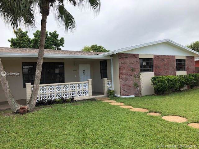 11882 SW 196th Ter, Miami, FL 33177 (MLS #A10737962) :: Grove Properties
