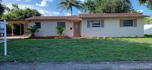 4713 NW 3rd St, Plantation, FL 33317 (MLS #A10738063) :: Ray De Leon with One Sotheby's International Realty