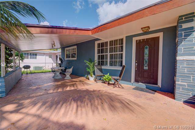 261 NE 172nd St, North Miami Beach, FL 33162 (MLS #A10740706) :: Ray De Leon with One Sotheby's International Realty