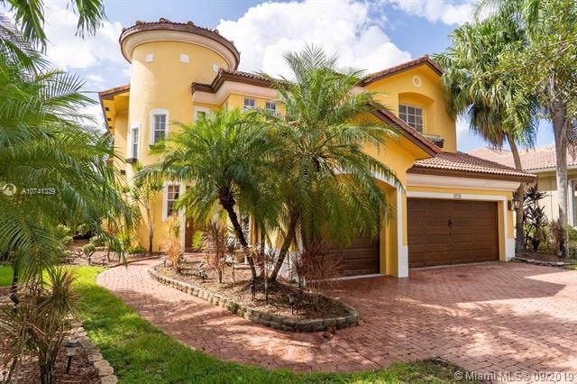 19250 SW 30th St, Miramar, FL 33029 (MLS #A10741339) :: Grove Properties