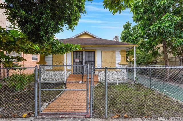1576 SW 2nd St, Miami, FL 33135 (MLS #A10742689) :: Grove Properties