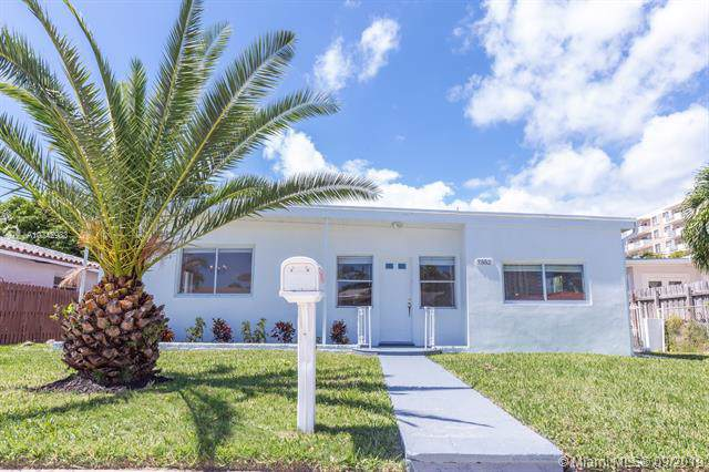 7552 Adventure Ave, North Bay Village, FL 33141 (MLS #A10742983) :: Ray De Leon with One Sotheby's International Realty