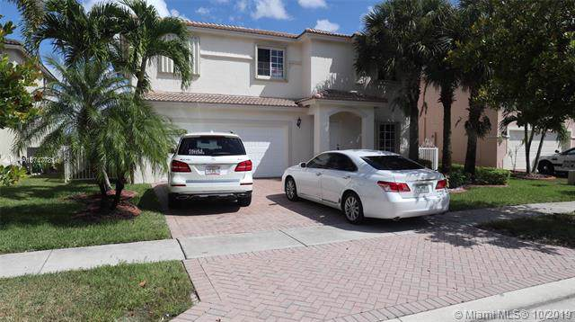 4577 SW 129th Ave, Miramar, FL 33027 (MLS #A10747781) :: The Paiz Group