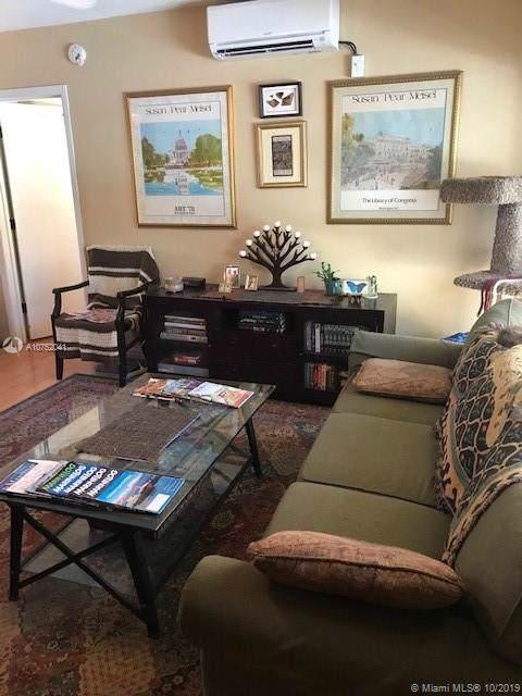 2616 NE 30th Pl 105A, Fort Lauderdale, FL 33306 (MLS #A10752041) :: Castelli Real Estate Services